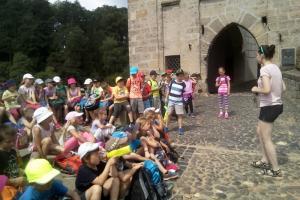 Školní výlet 1.,2. a 3. třídy na hrad Kost